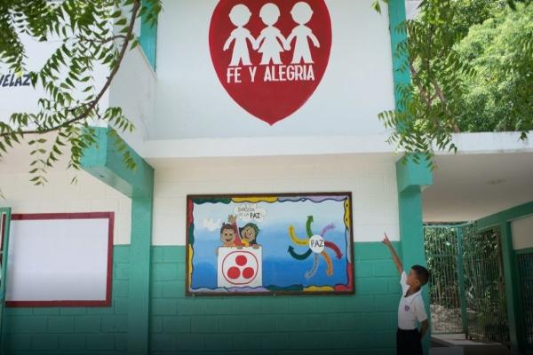 Fe y Alegría escuelas