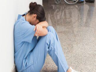 enfermera-triste (1)