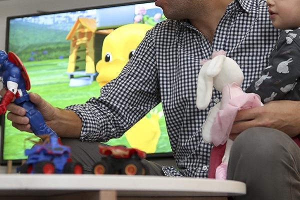 niños en casa juego cuarentena papa (1)