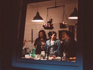 Canva - cocina mujeres resilienccia